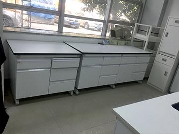 实验室钢木结构边台安装
